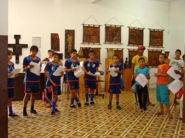 Visita das crianças do projeto ao Museu