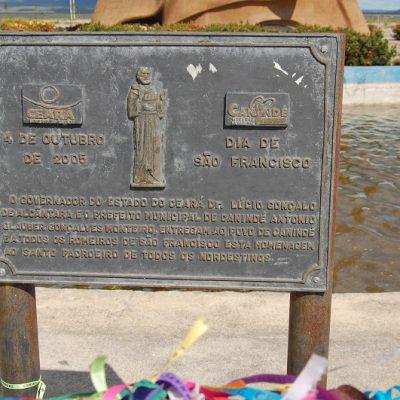 Placa de inauguração em 2005