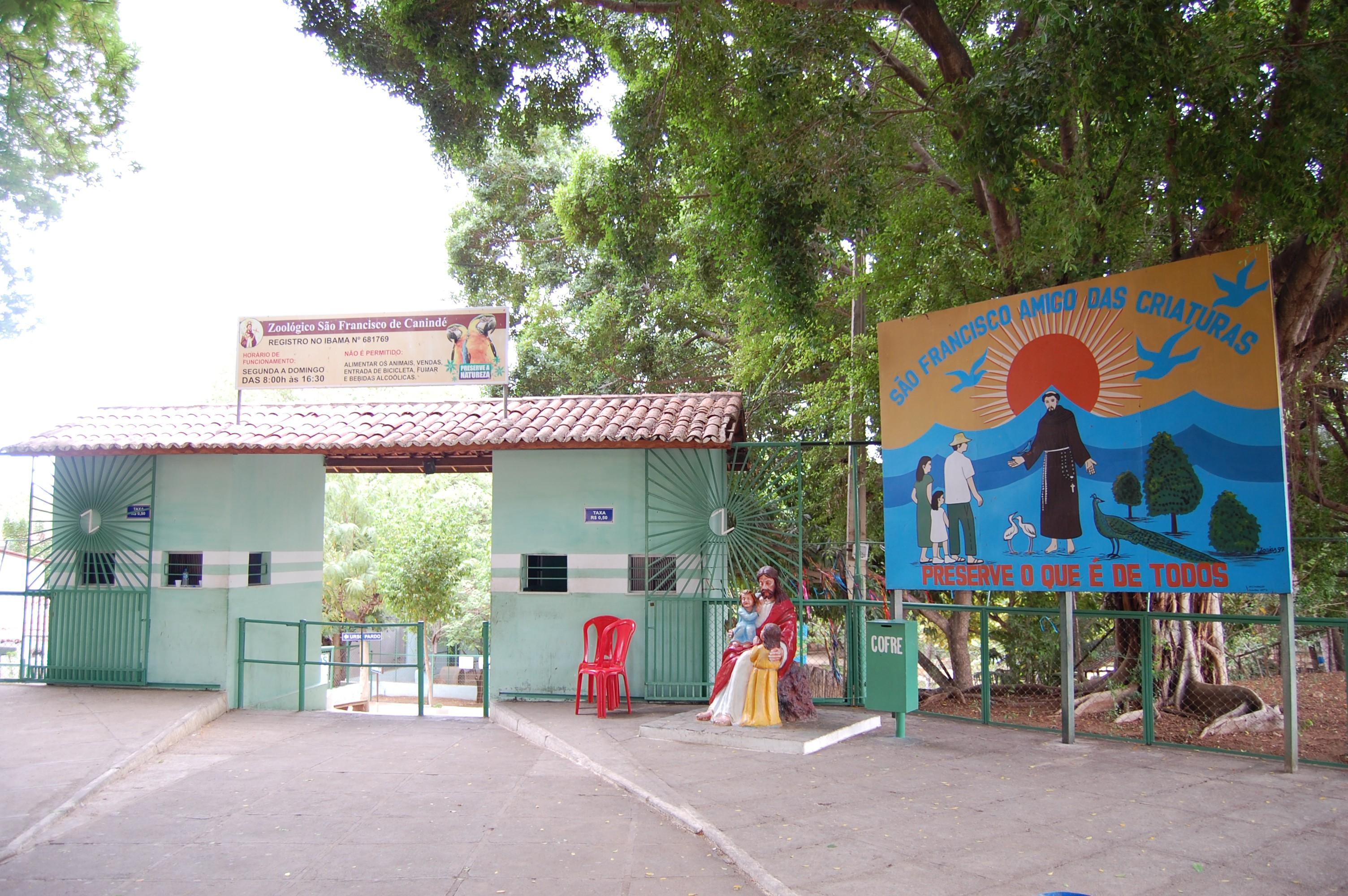Portaria e fachada do Zoológico